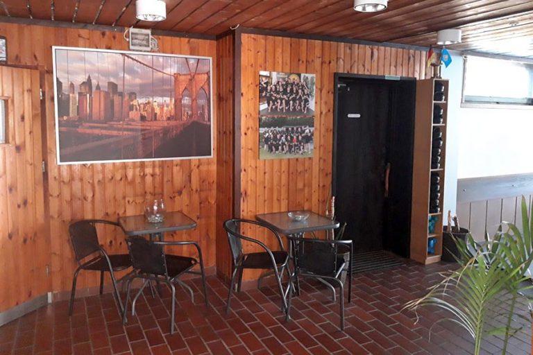 Aufenthaltsraum / Eingang Garten MMA Sportschule - Sport Underdogs Castrop-Rauxel